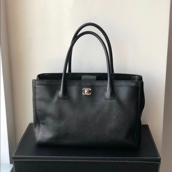 d0d0546d1684 CHANEL Handbags - Chanel Cerf tote black caviar leather handbag.